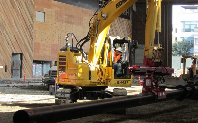 Pile Handling Excavator Attachment